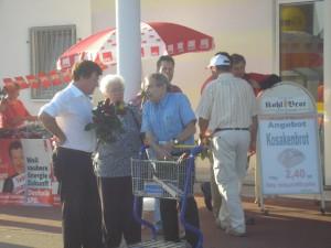 Rainer Tabillion im Gespräch mit Tholeyer Bürgern